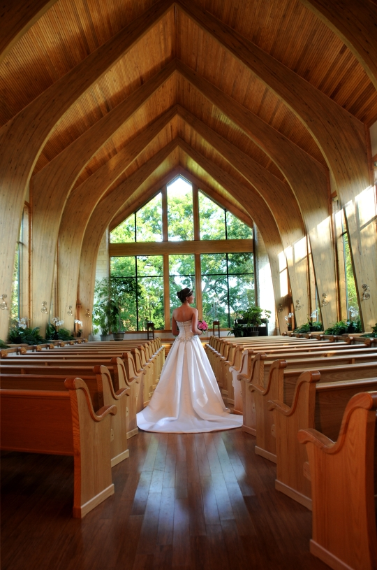 The perfect chapel for an intimate wedding! #thunderbirdchapel #normanoklahoma #wedding